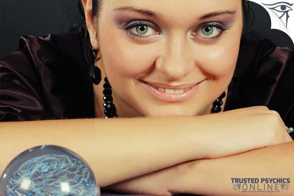 Crystal Ball Readers - Trusted Psychics Online